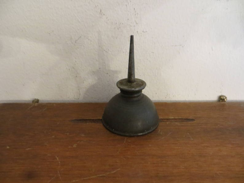 Antique oilier dispenser vintage mini oil can w free ship