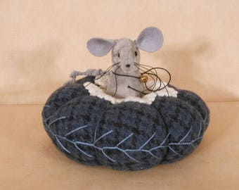 Wool Mouse Pincushion