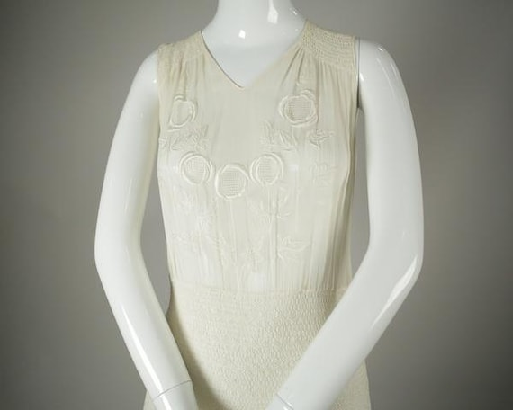 1920s Embroidered Deco Cotton Voile Dress - image 3