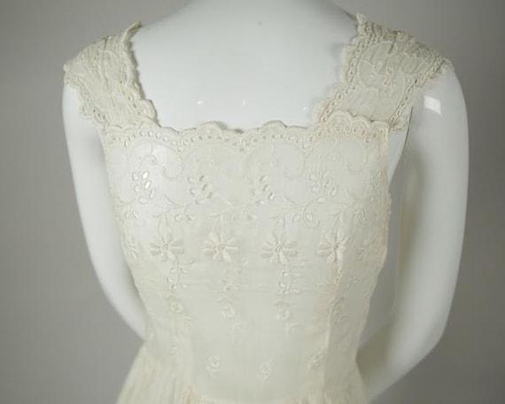 1950s Cotton Voile Tea Dress - image 4