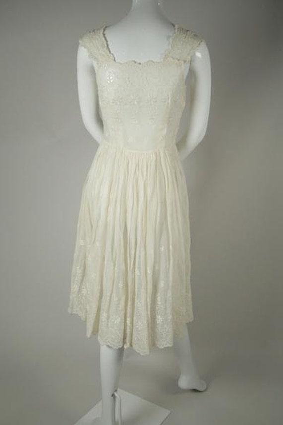 1950s Cotton Voile Tea Dress - image 3