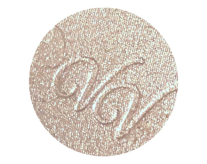 BOSS BABE - Pressed Highlighter pigment- pale buttery champagne with gold sparkles