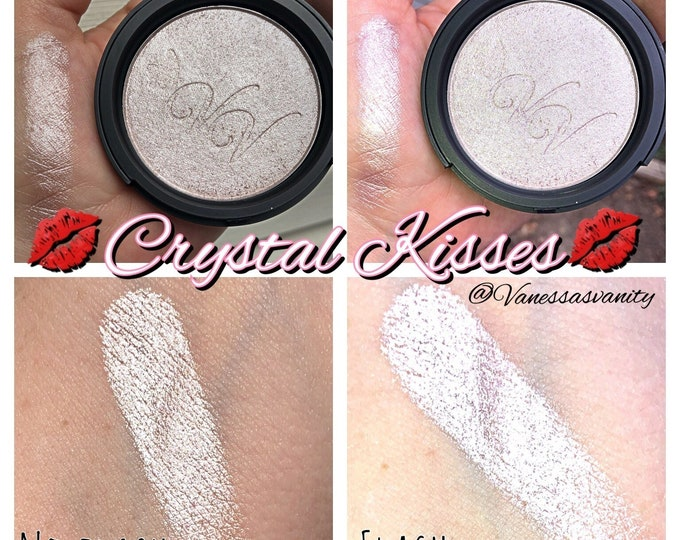 CRYSTAL KISSES - Pressed Highlighter Pigment - Super Shiny Pale Sparkly Pink Mauve