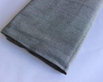 Grey/white lightweight suiting