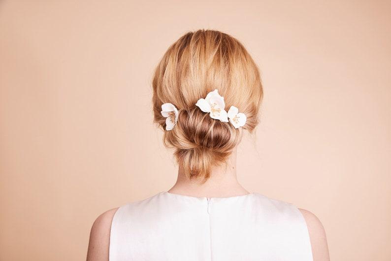 068b6912ec Braut Blüten Haarnadeln Hochzeit Haarschmuck Lederblüten