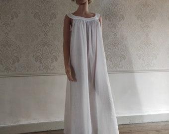 Woman's nightgown, cotton veil