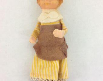 Vintage Knee Hugger Elf Thanksgiving Pilgrim Woman Decoration Shelf Sitter