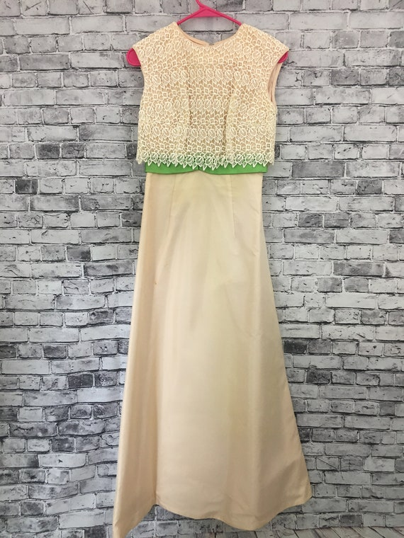 Vintage 1940's-1950's Cream Green Velvet Ribbon Cr