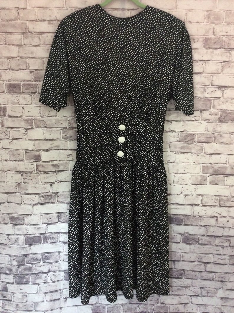 Vintage 1980/'s Women/'s Size 10 Polkadot Dress Padded Shoulders Buttons Gathered Waist Pistachio Movie Theater Prop Fashion