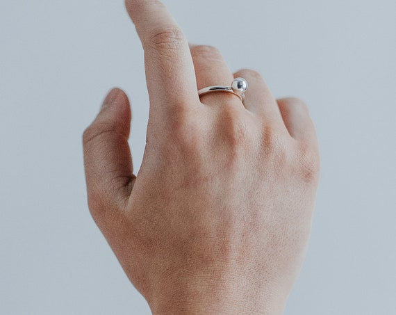 Statement chunky bead ring