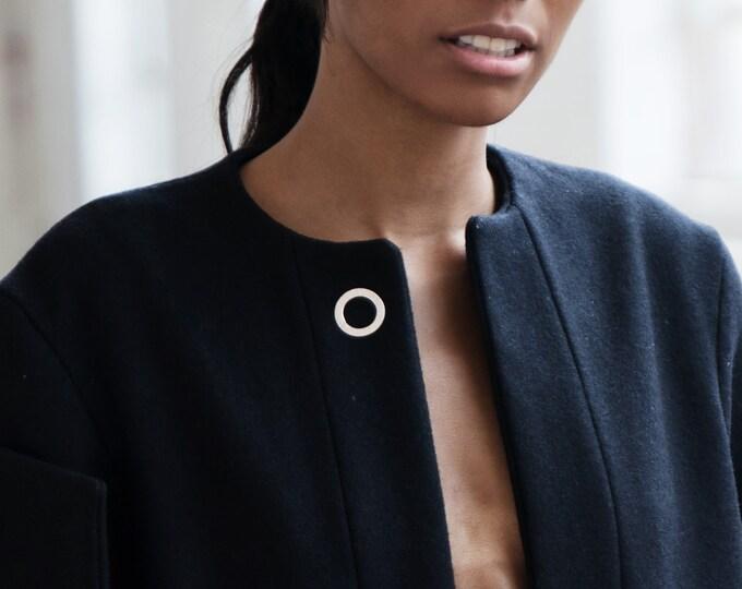 Statement circle brooch