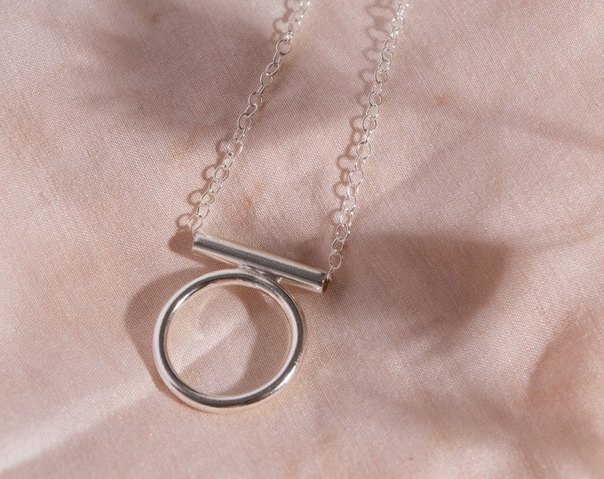 Modern open circle necklace
