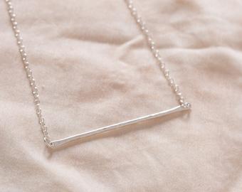 Minimal bar necklace
