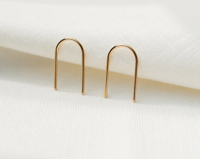 Recycled 9ct gold small arch pins