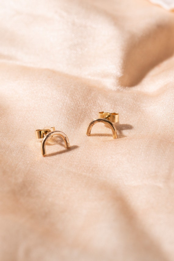 9ct recycled gold arch studs