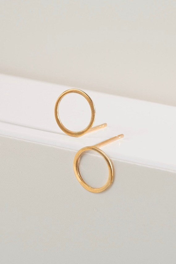 9ct gold recycled open circle studs