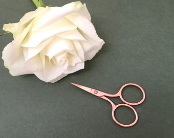 """Embroidery Scissors - Hemline Premium Rose Gold - 67mm / 2/5"""" Long - Hand Scissors - Gift for Crafters - Boxed - Pretty"""