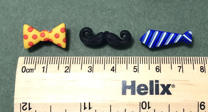 CARDMAKING 10 IT/'S A GUY THING TIE//MOUSTACHE THEMED NOVELTY CRAFT BUTTONS