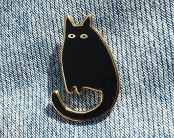 Kees the cat, enamel black and gold pin by Ateliertiti