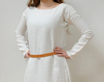 Tailored. Medieval tunic or sub-senic in linen for Vikings, longobards, Anglo-Saxons, alamanni, merovingi