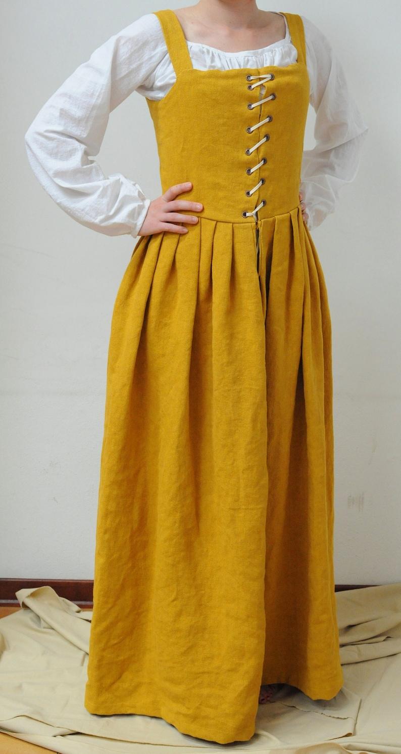 Tailored  Renaissance dress, Renaissance kirtle, 16th century gown, paesant  dress, Tudor dress