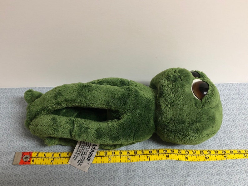 Vintage Russ Berrie and Co Octavius the big eyed green octopus plush with big sleepy eyes