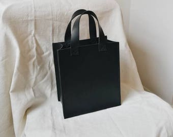 Jour Black Veg Tan Leather Tote Bag