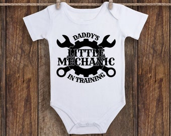 a18ccf56c Baby Shower Gift, Father's Day Gift, Baby Onesie, Baby Announcement Onesie, Daddy's  Little Mechanic, Mechanic Gift, Unisex Baby Onesie, Baby