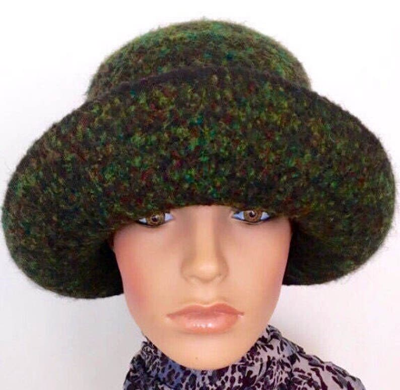 f913ef14c6d96 Green Flapper Cloche Hat 1920 s Hat Felted Cloche Hat Art