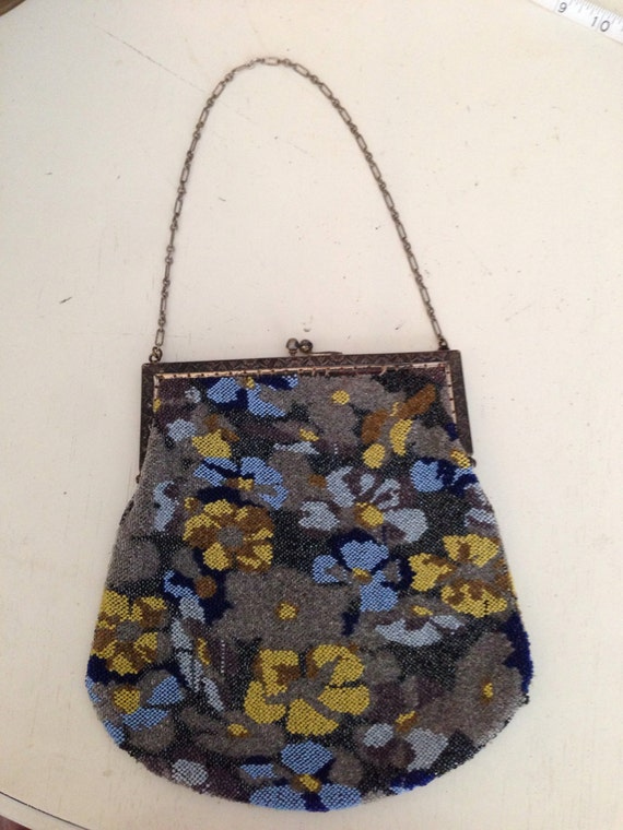 1920's-1930's Micro Beaded Pansy Flowers Purse - image 1