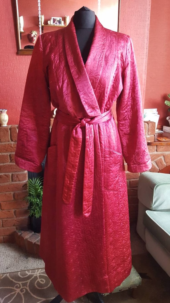 1940s quilted satin robe