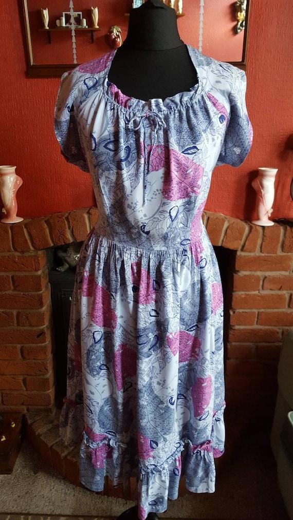 1940s gypsie style summer dress