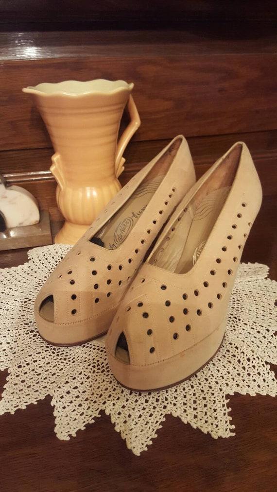 1940s dead stock platform shoes - image 2