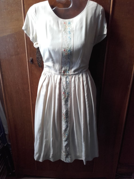 silk embroidered 1950s dress