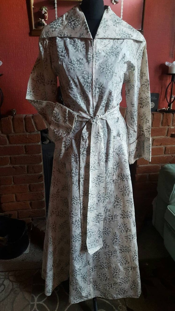 1940s hostess gown