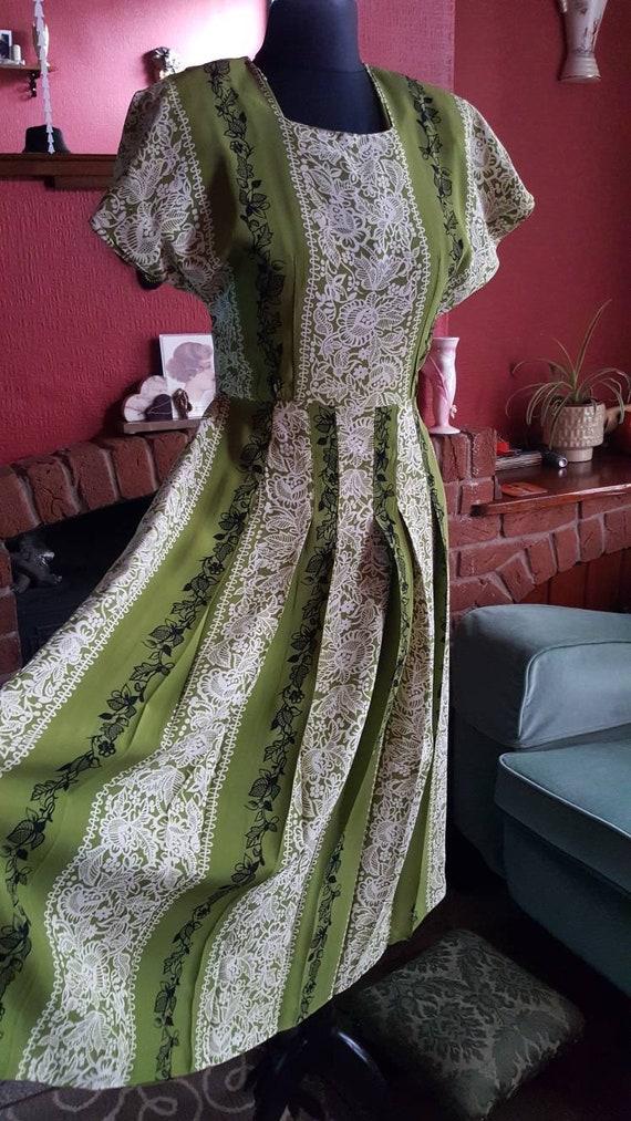 1940s rayon crepe dress - image 5