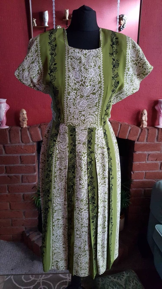 1940s rayon crepe dress