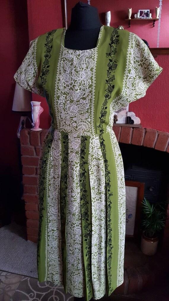 1940s rayon crepe dress - image 3