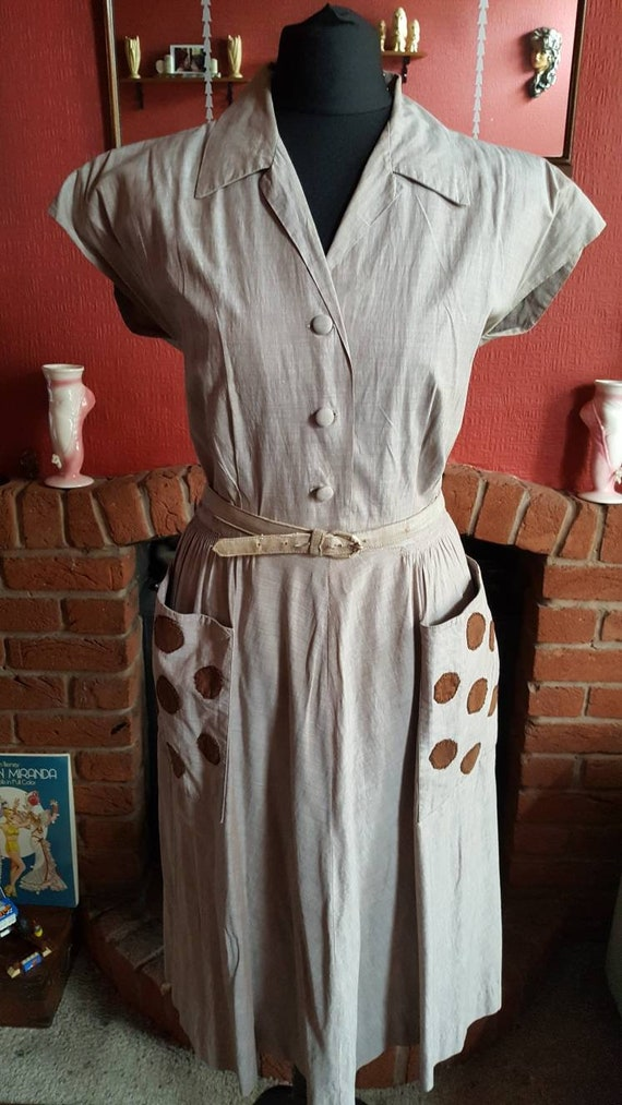 1940s large pocket day dress