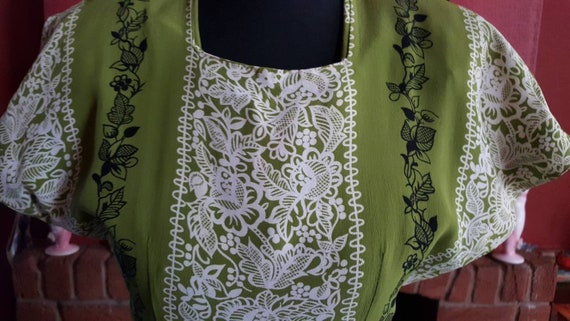 1940s rayon crepe dress - image 9