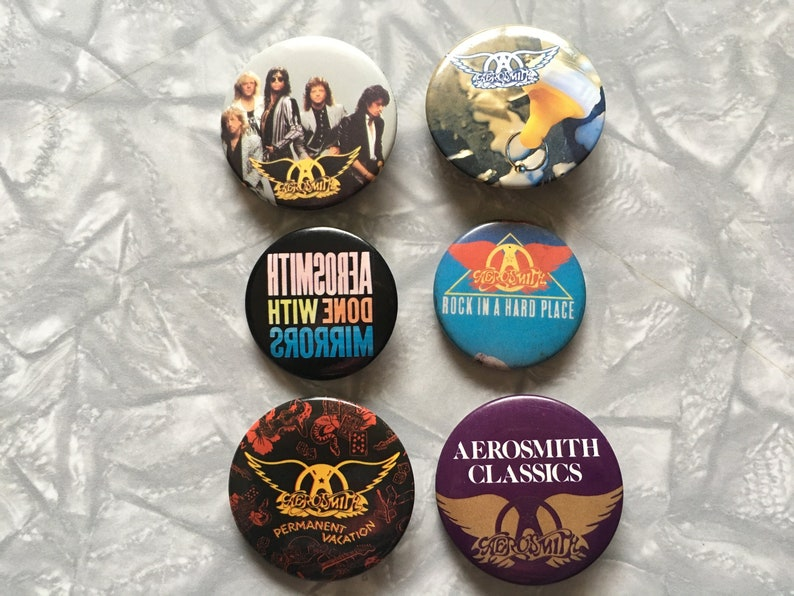 AEROSMITH HIGH QUALITY PIN BADGE NEW