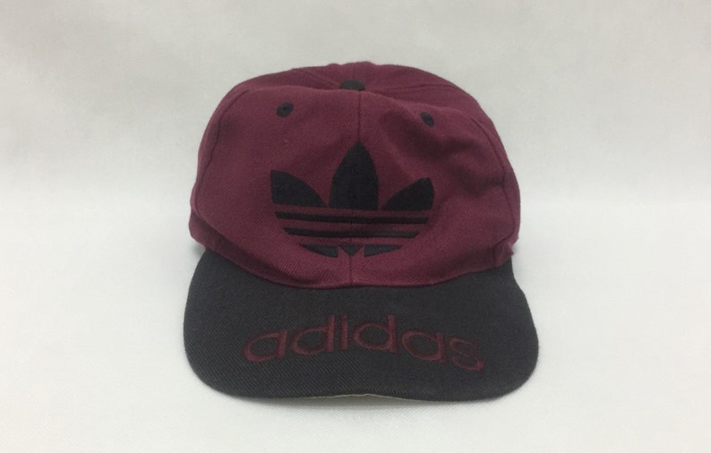 02fdf6e8815cd True Vintage ADIDAS Trefoil Big Logo Embroidered Snapback Cap