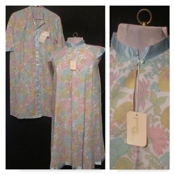 Vintage Nightgown Robe Set NWT 1960s retro pastel
