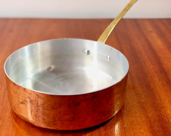 FREE WORLDWIDE SHIPPING - French vintage copper pan from 1970s for your next dinner!