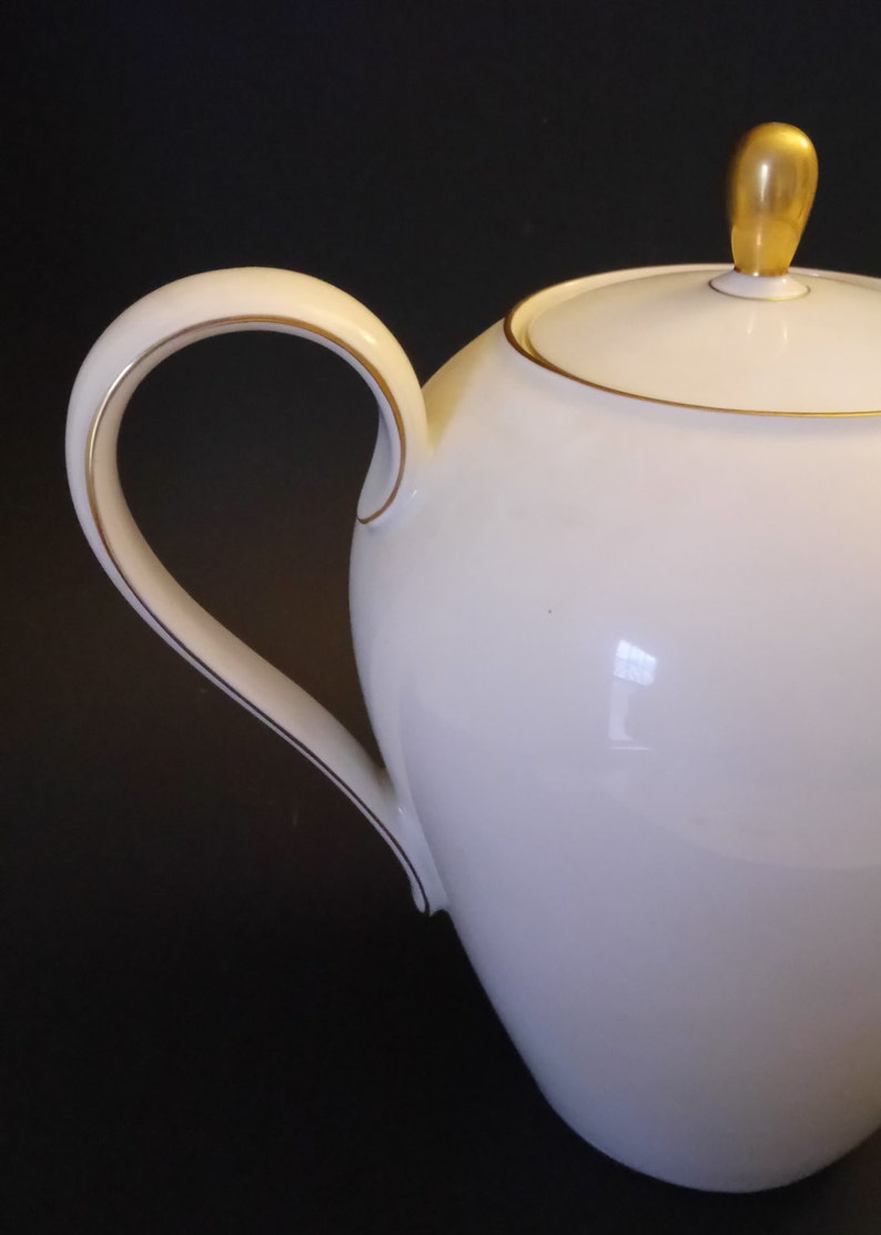 Large Seltmann  Weiden Bavaria Large Tea Coffee Pot German Tea Pot