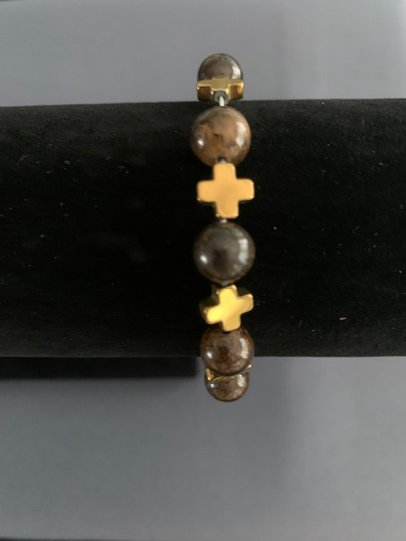 Bronze/Gold Cross & Glass Bead Stretchy Bracelet
