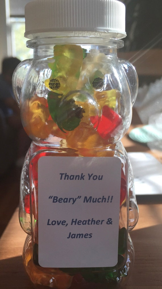"Gummy bear favors ""Thank you beary much"""