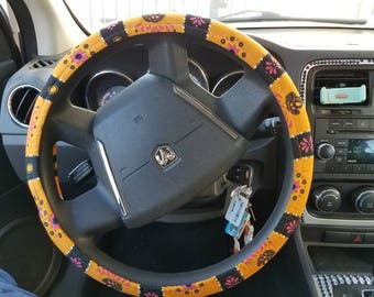 Day of the dead/snoopy print steering wheel cover