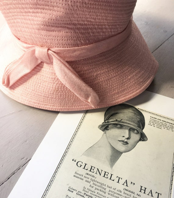 Vintage Art Deco Cloche Hat Satin Lined Pastel Pin