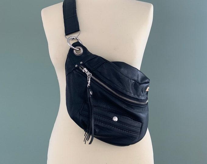 Featured listing image: Fanny Pack bumbag beltbag black leather hobo bag belly bag crossbag